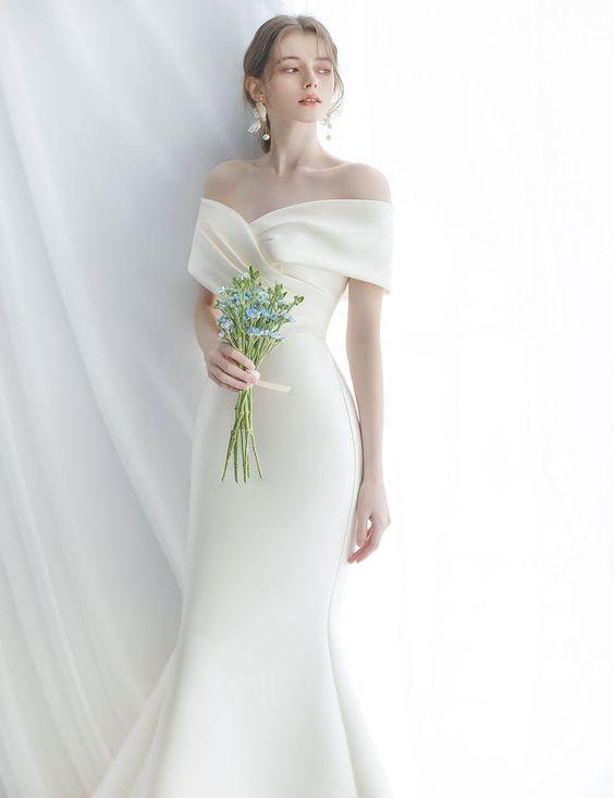 Váy cưới minimalist